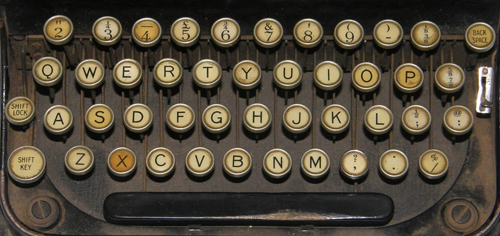op_typewriter_keyboard_sm