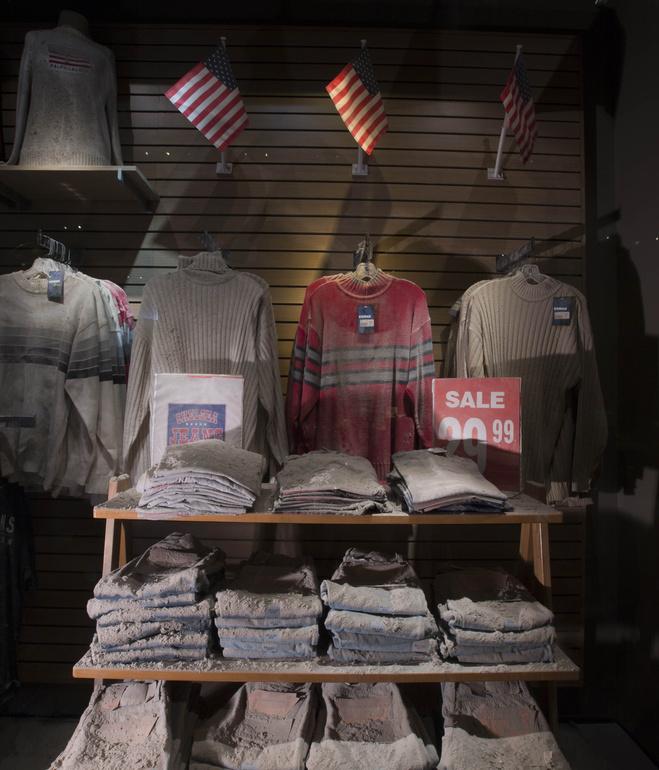 911chelsea_jeans_storefront_credit_jin_lee